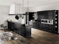 cucina classica in legno nero antiquariato (Loggia)