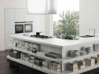 Cucina aperta, bianco totale