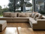 divano angolare con isola