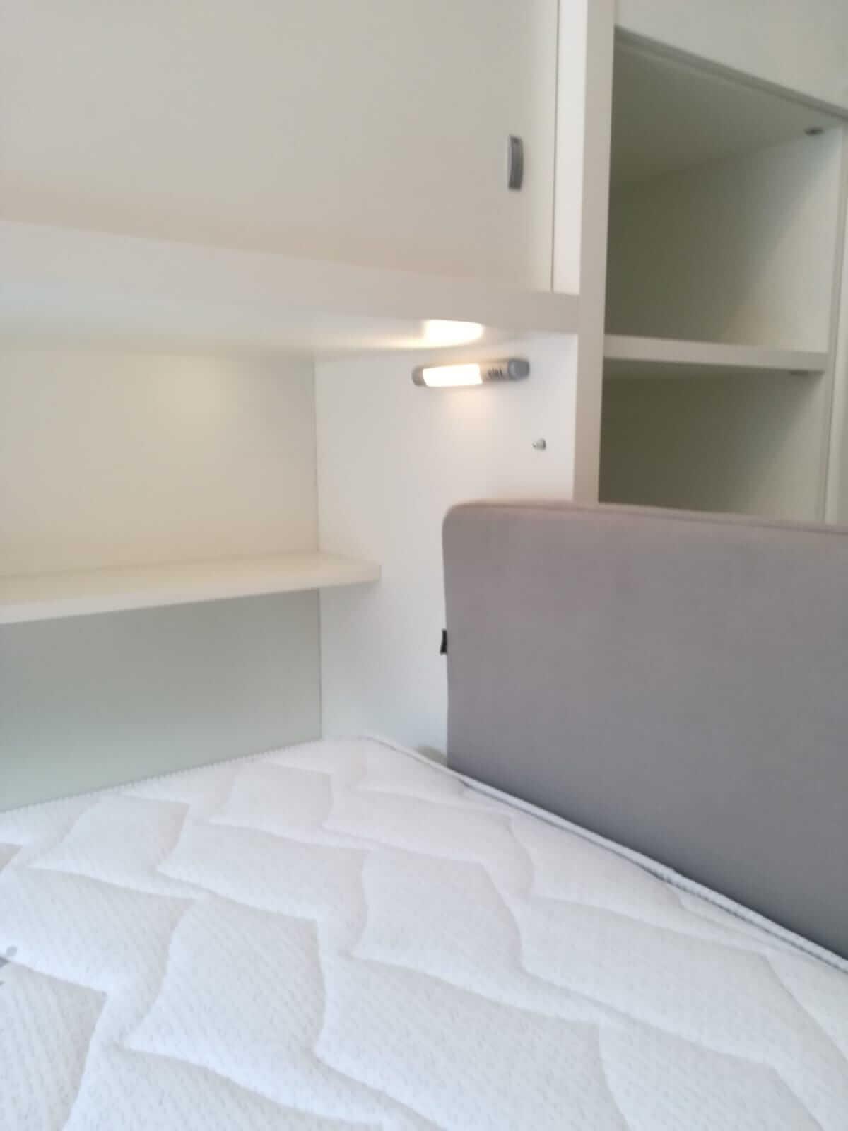 Armadio A Scomparsa arredamento stanza con letto singolo con armadio a torino